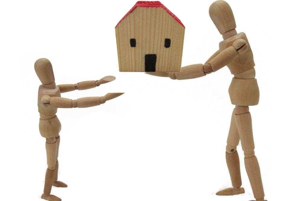 Beneficiary vs. Heir: What Is the Difference Between an Heir and a Beneficiary?